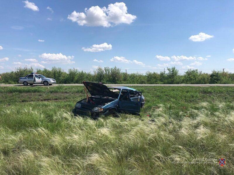 Под Волгоградом водитель сбежал с места ДТП, оставив раненых пассажиров