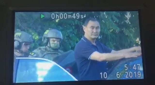 Появилось видео момента задержания советника главы СКР Михаила Музраева