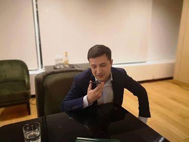 Владимир Зеленский объяснил, почему не помог дрожащей Меркель