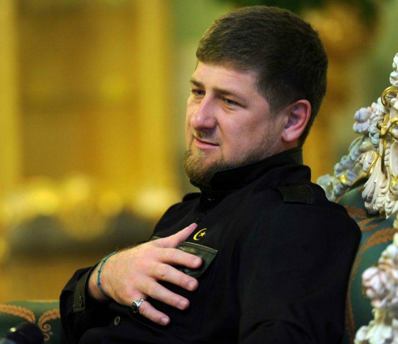 """""""Мне не нужно ни о чём беспокоиться"""": Кадыров взял к себе в охранники шестилетнего мальчика"""