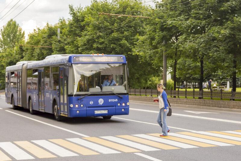 В Волжском стартуют продажи социальных проездных на автобусных остановках