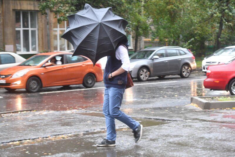 Синоптики предупреждают о дождях и грозах в Волгограде