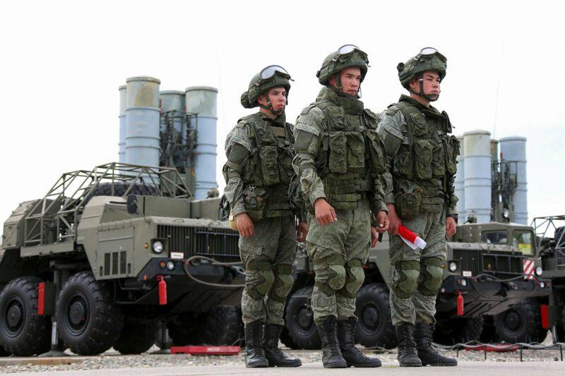 Кабмин повысил оклады военнослужащих и правоохранителей