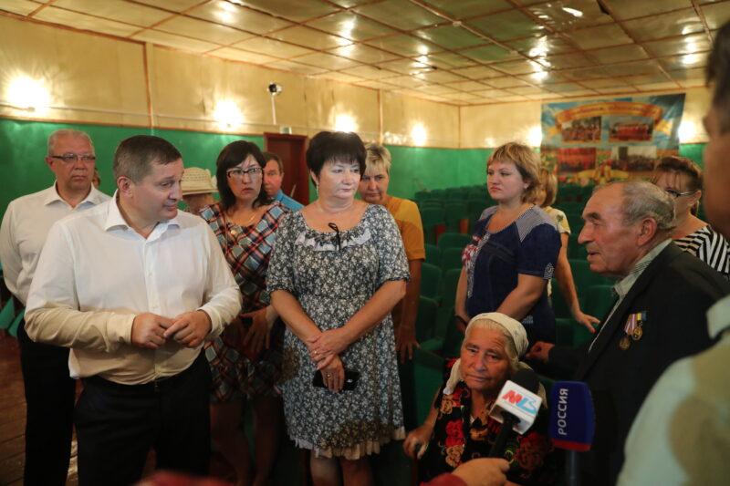 Андрей Бочаров встретился с жителями Быковского района