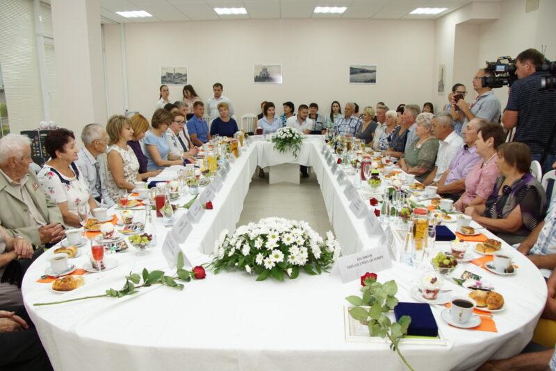 45 супружеских пар Волгоградской области получили медаль «За любовь и верность»