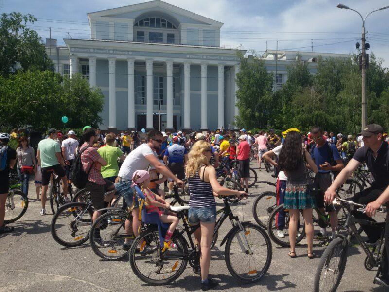 Волгоградцев в субботу приглашают на ночной велопарад