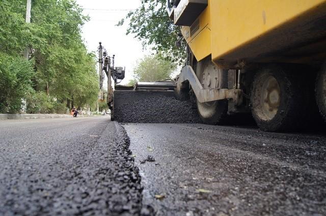 В Волгограде с начала сезона восстановили 200 тысяч кв.м. автодорог