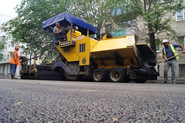 На улице Поддубного завершается ремонт дороги