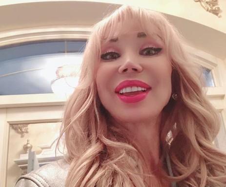 """""""Барби с носом Майкла Джексона"""": в Сети раскритиковали новые селфи Маши Распутиной"""
