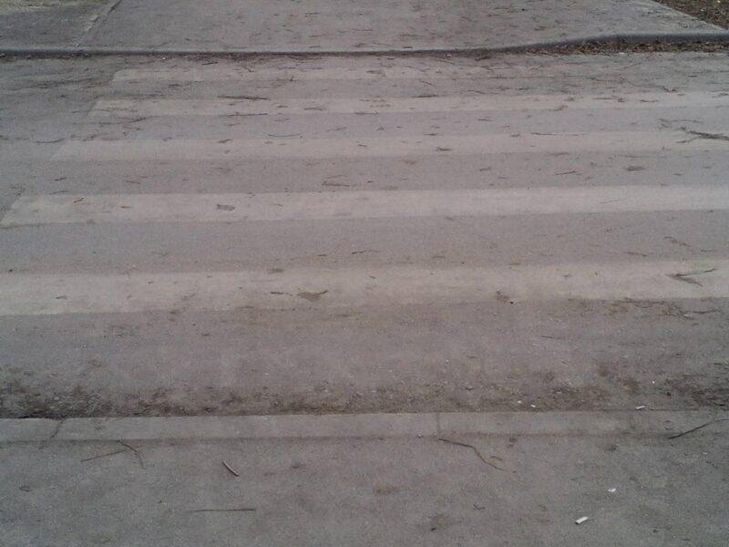 В Волжском молодой водитель сбил девушку и оставил место ДТП
