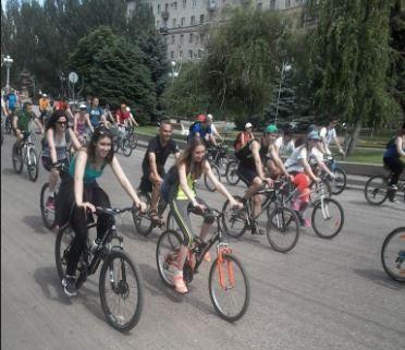 Волгоградские велосипедисты проедут по ночному городу