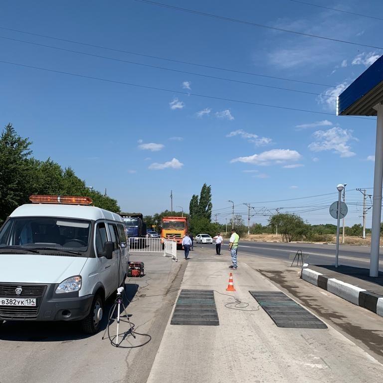 До конца сентября будут штрафовать въезжающие на ГЭС большегрузы