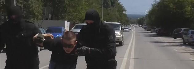В Волгограде задержали нескольких членов масштабной группировки автомошенников