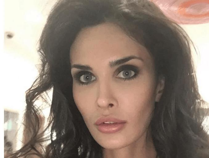 Алана Мамаева попалась на удочку мошенников