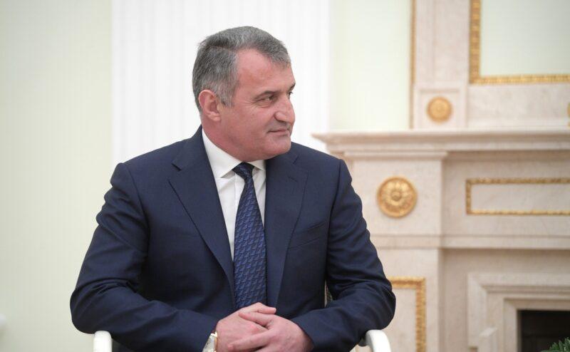 Президент Южной Осетии решил вернуть республику в состав России