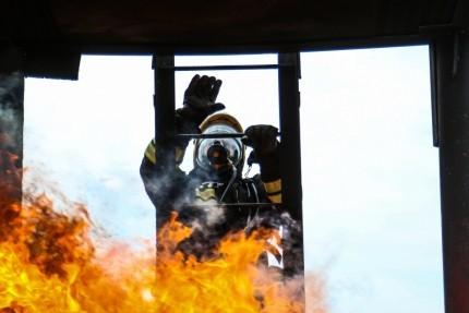 При пожаре на улице Землячки эвакуировали 40 человек