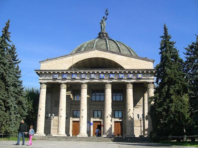С 19 сентября волгоградский планетарий будет отмечать 65-летие