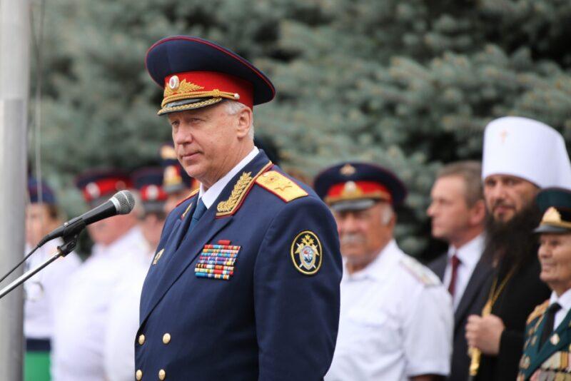 СМИ: из-за визита Бастрыкина в Волгограде оцепили лицей