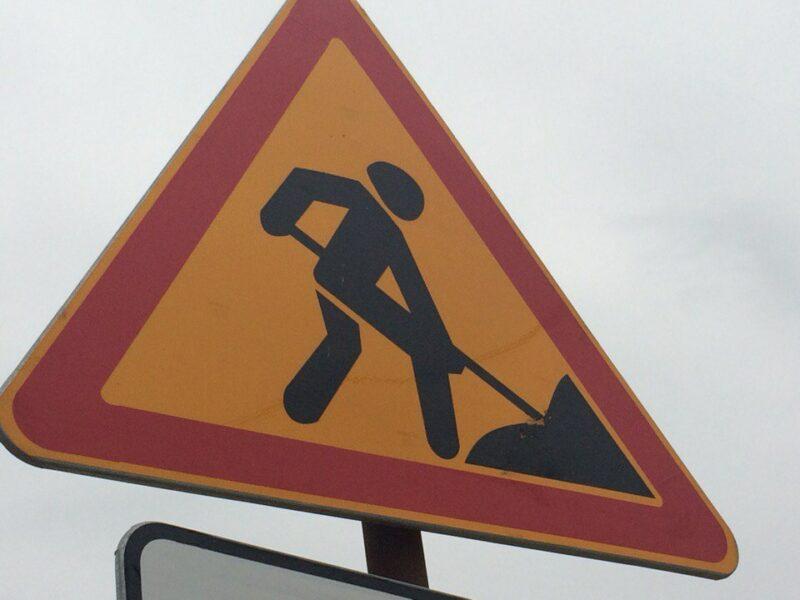 На улице имени академика Богомольца возобновили дорожный ремонт