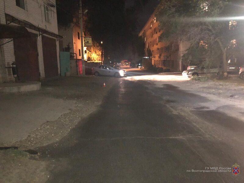 В Волгограде разыскивают водителя «KIA», сбившего женщину в переулке