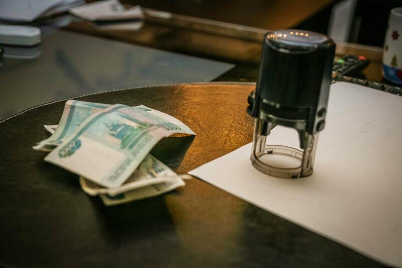 Закон по осени меняют: вступили в силу очередные законодательные поправки