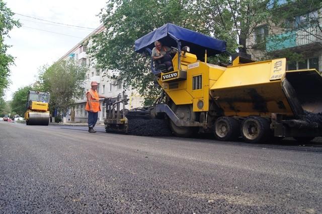 В Тракторозаводском и Советском районах Волгограда возобновят дорожный ремонт