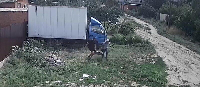 В Волгограде похитители аккумуляторов кавказской наружности попали на видео