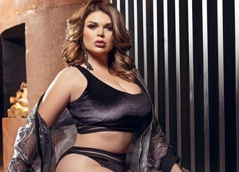 30-летняя модель plus-size Юлия Рыбакова легла под нож пластического хирурга