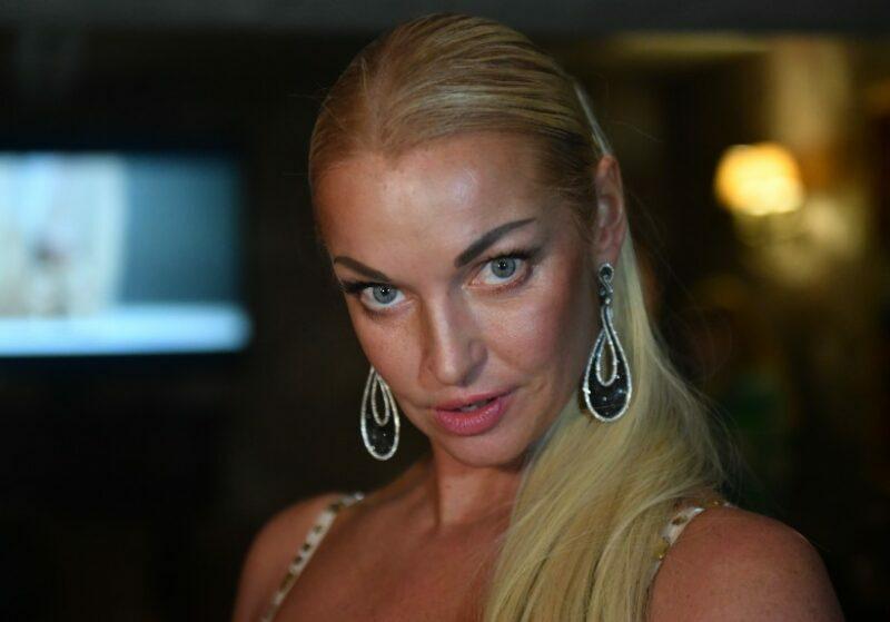 43-летняя Анастасия Волочкова выставила напоказ свои пельмени