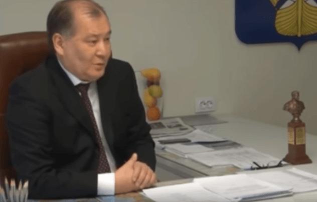 Бывший глава Ахтубинска Нарузбаев получил два года условно за махинации с землей