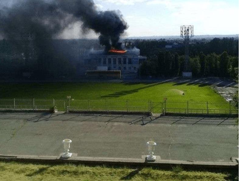 На месте сгоревшего стадиона в Волжском построят футбольный манеж почти за 450 миллионов