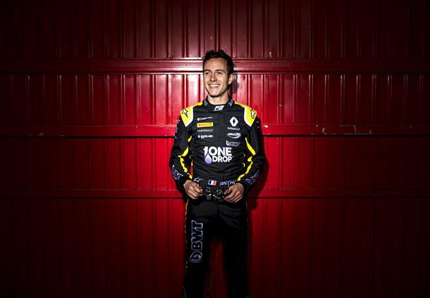 Сегодняшнюю гонку «Формулы-2» отменили из-за гибели пилота: его болид разлетелся на части