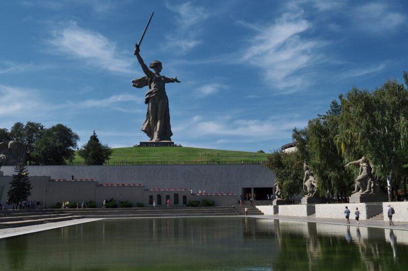 «Служим России!»: на Мамаевом Кургане состоялось посвящение в кадеты