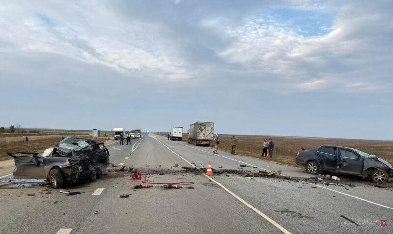 Три человека погибли в страшном ДТП в Волгоградской области