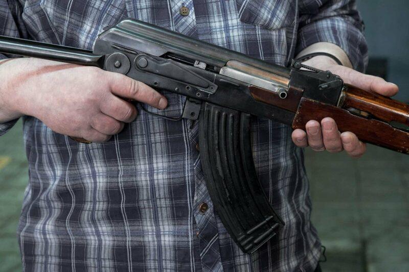 Военнослужащий расстрелял 10 человек, 7 из которых насмерть