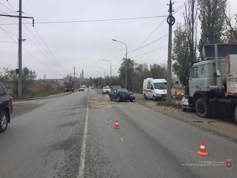"""В Дзержинском районе обгон """"четырнадцатой"""" закончился массовой аварией"""