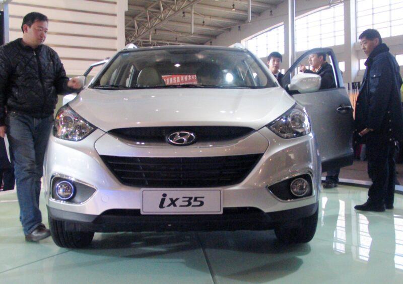 """В Волгограде разыскивают """"Hyundai IX35"""", на котором насмерть сбили человека"""