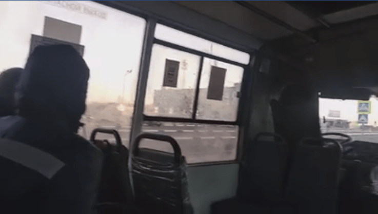 """""""Они наврали"""": ПАТП-7 выпустило на линию автобус с неработающей системой отопления"""