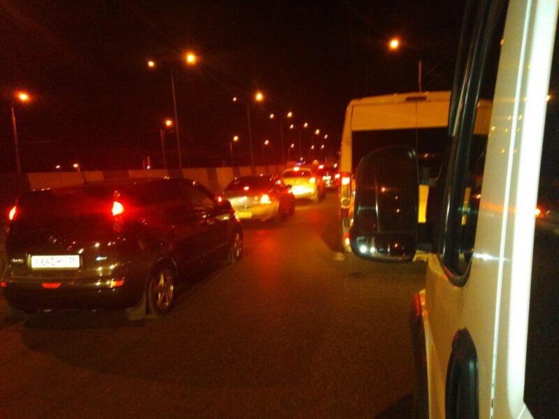Пробка на юге Волгограда рассосалась лишь к 10 вечера