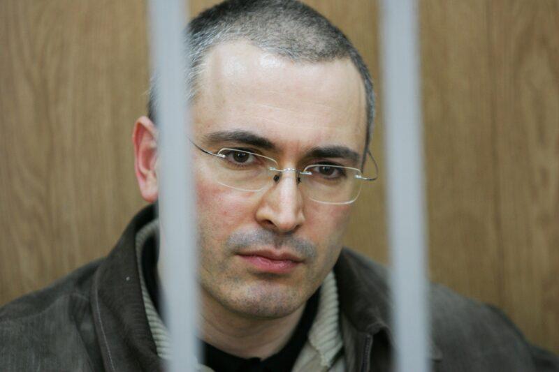 Ходорковский отказался есть выклянченную у Пригожина тушенку