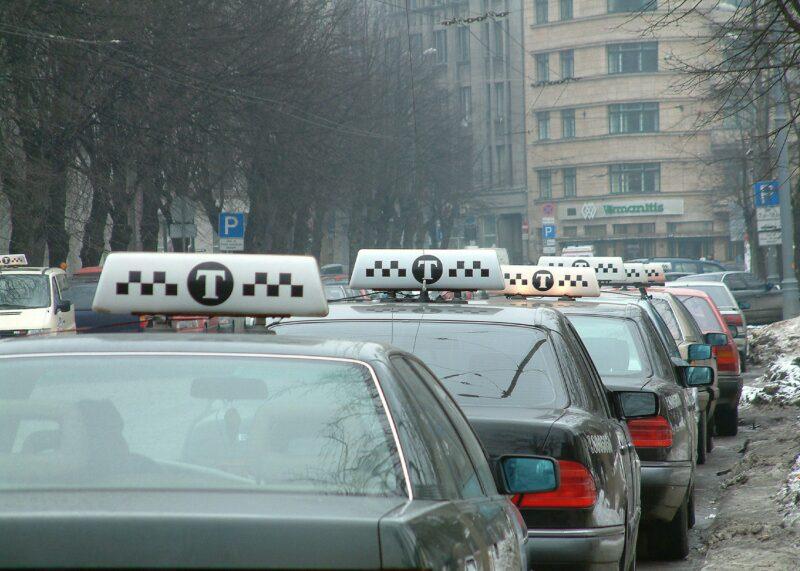 Волгоградцы жалуются на хамоватых таксистов