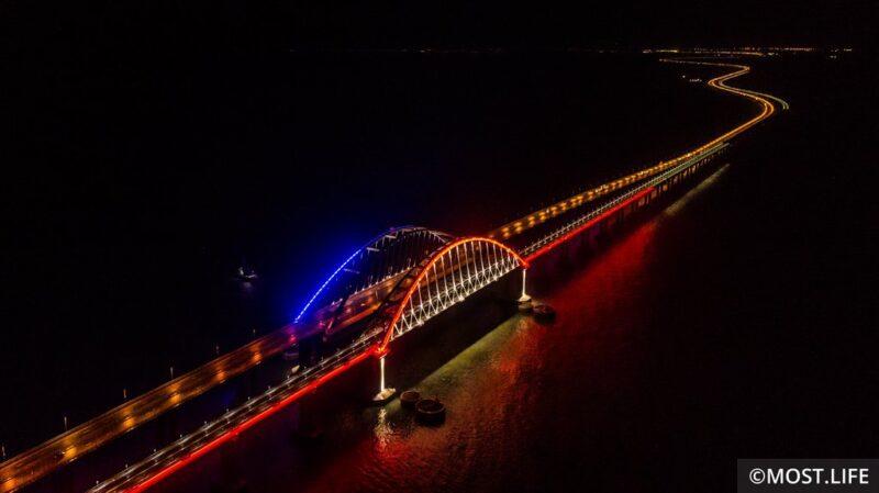 В понедельник по Крымскому мосту пойдут поезда