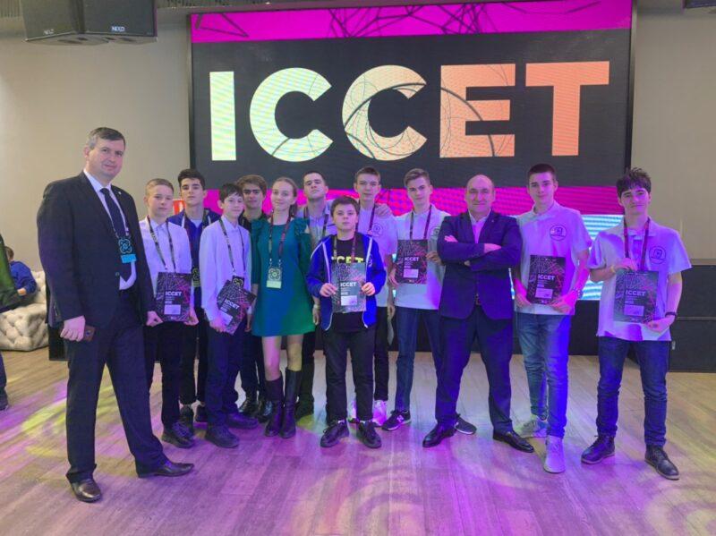 Волгоградские школьники победили в международном конкурсе, представив проект «Аэротакси»