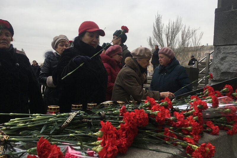 29 декабря в Волгограде вспомнили жертв теракта на железнодорожном вокзале