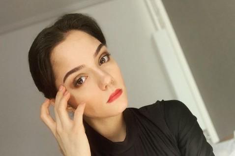 «Почему голая и кто снимал?»: 20-летняя Евгения Медведева шокировала поклонников