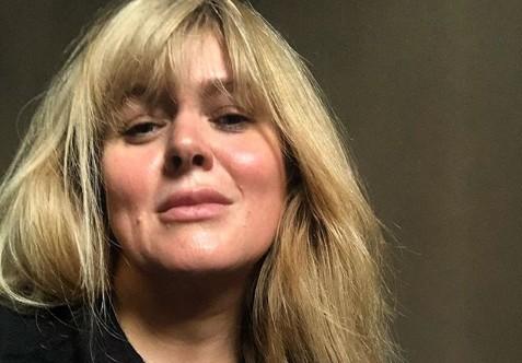 «Не надо Фотошопа»: в Сети обсуждают внешность 45-летней Анны Михалковой
