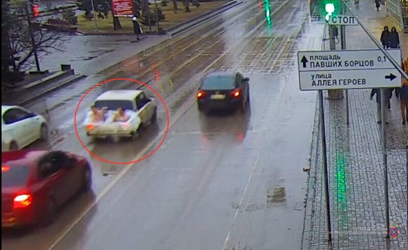 «Джакузи» в багажнике ВАЗа: водителя посадили на 12 суток