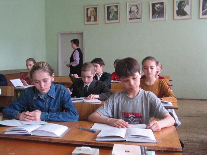 26 учителей сделают миллионерами в Волгоградской области