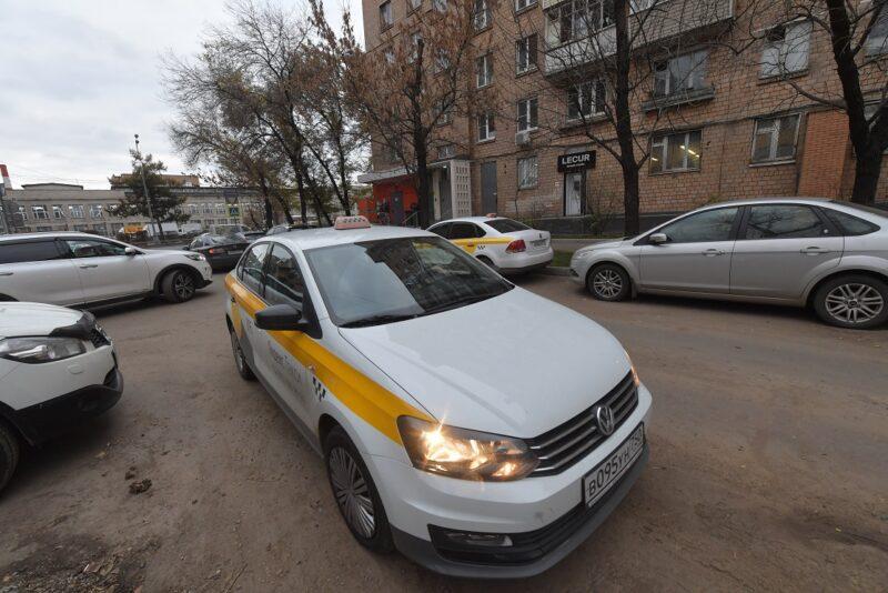 Ущерб, полученный таксисткой Яндекс.Такси при нападении пассажира, оценили в 5 тысяч рублей