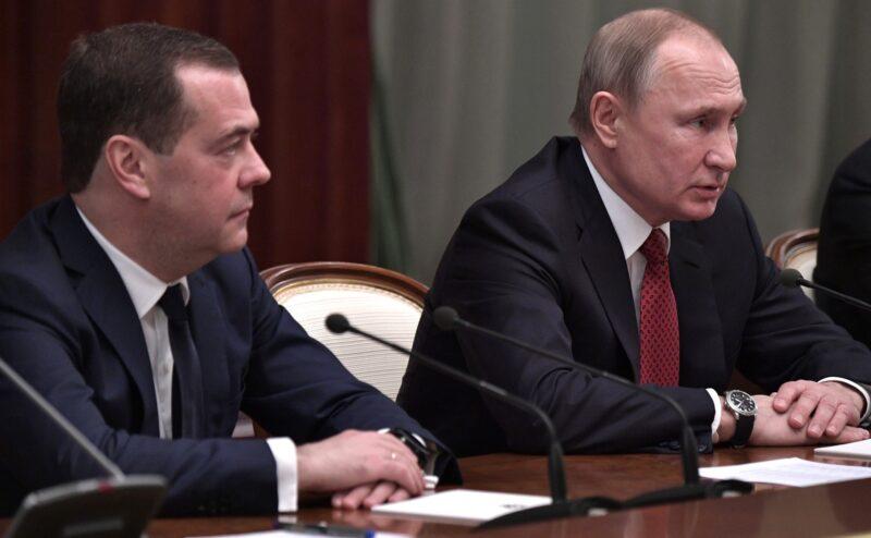 Путин утвердил Медведеву новую зарплату